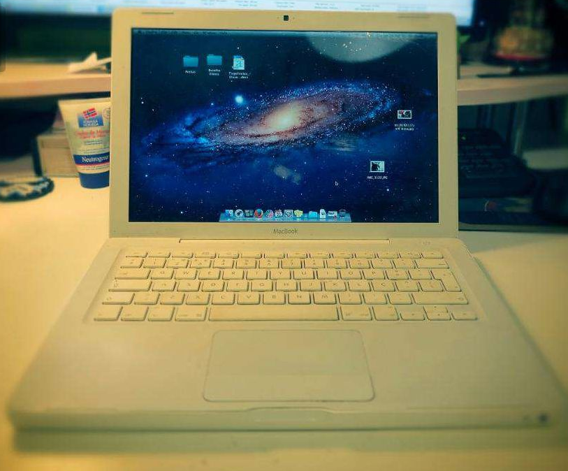 "macbook white 13"" SSD e 4GbRAM"