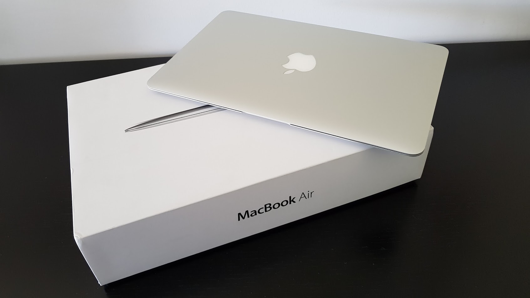 Macbook Air 11″, i5, Mod. A1465, c/ Caixa